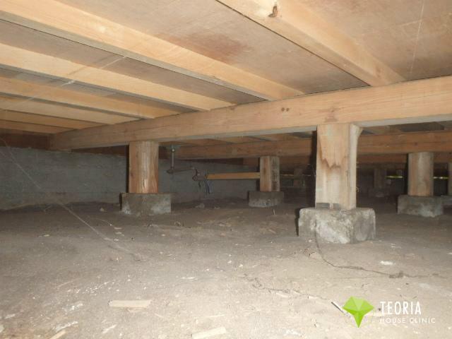 床下の全景写真