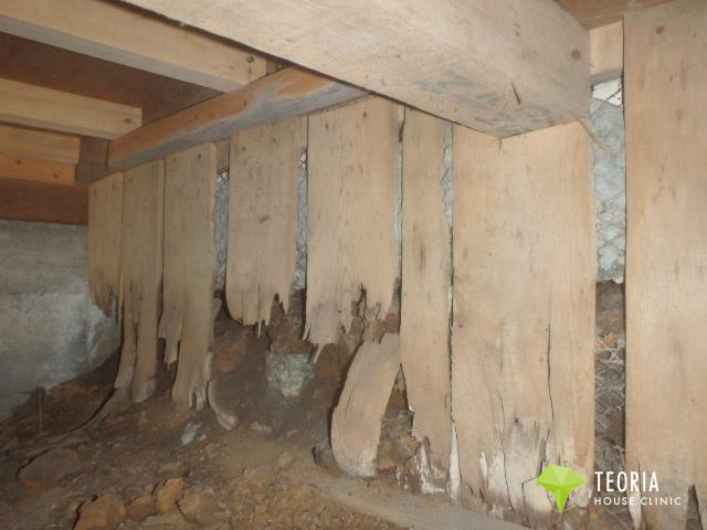 玄関の土留板の被害