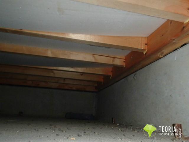 床下断熱材のたわみ