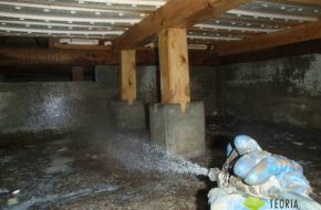 床下の白蟻土壌処理